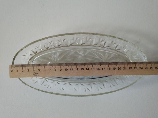 селедочница салатница паштетница стеклянная с резным рисунком СССР 25