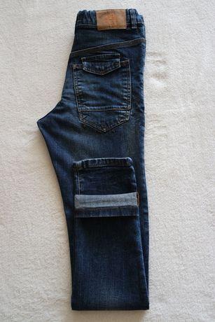 Продам джинсы Mango зауженного кроя на мальчика ( рост 158 см ).