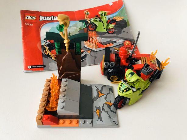 Lego Ninjago 10722 Juniors Starcie z wężem