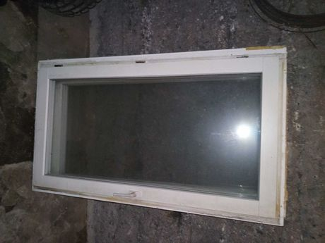 Okna drewniane 84x146/uchylno-rozwierne/
