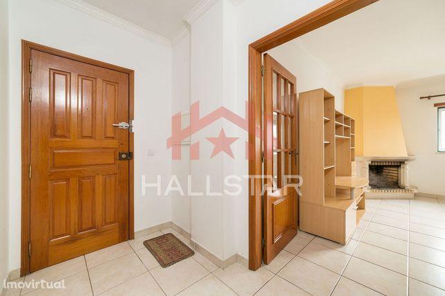 Apartamento T2 + T1 / Garagem / Elevador / Aquecimento Central / Renta