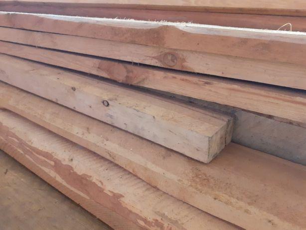 Deski, kantówki, drewno, pozostałość po prywatnej stolarnii