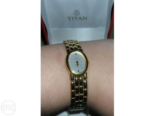 Relógio de senhora da marca Titan nunca usado com caixa