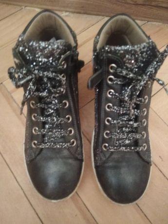 ПРОДАМ Деми ботинки на девочку