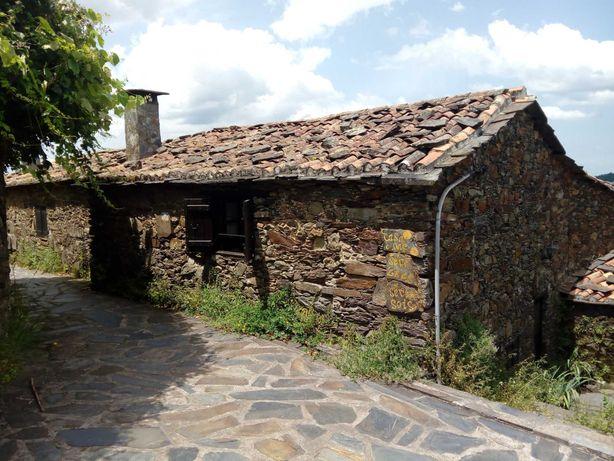 Casa xisto em aldeia Serra da Lousã