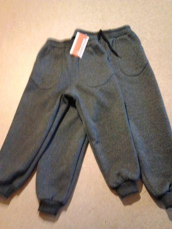 Детские спортивные,трикотажные,тёплые штаны на флисе с32по38размер.