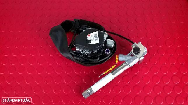 Cinto / Pre-tensor Esquerdo - 618197600 / 010L-000 / 7355017630 [Fiat Punto EVO]