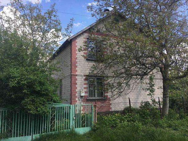 Продам газифікований будинок в  НовоукраЇнці.