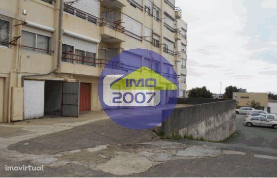 Garagem Fechada em São João da Madeira
