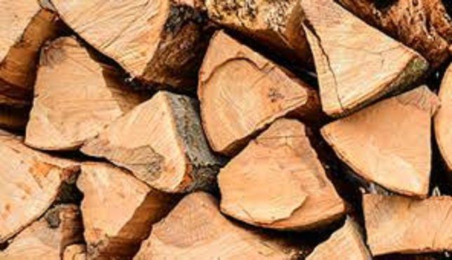 Sezonowane, grube polana, drewno kominkowe, układane, zdrowe,