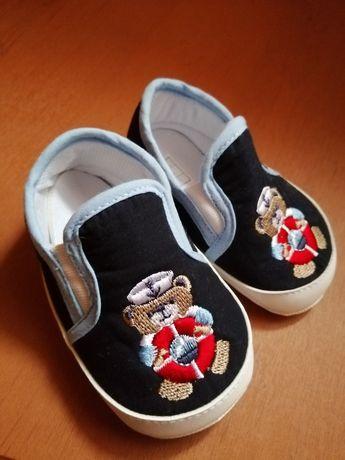 Кеды. Пинетки. Обувь для самых маленьких
