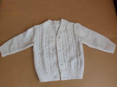 Biały rozpinany sweterek chłopiecy rozmiar 80 chrzest