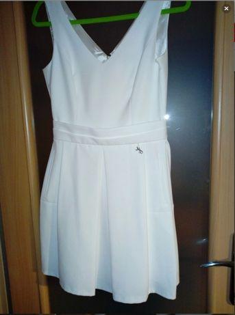 Sukienka biała/kremowa 38