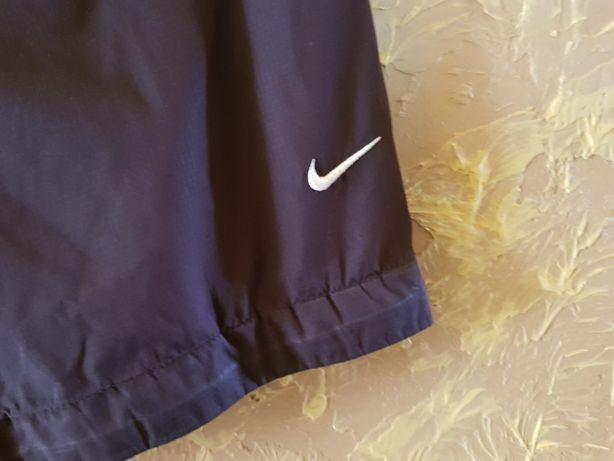 Spodenki sportowe Nike. L