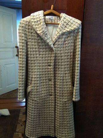 Продам пальто (весна-осінь)