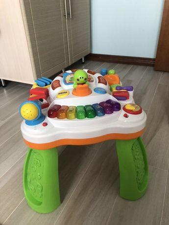 Музикальний столик