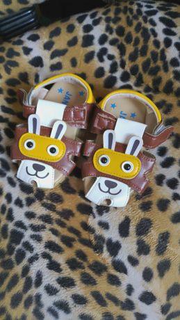 Детские босоножки, сандалики