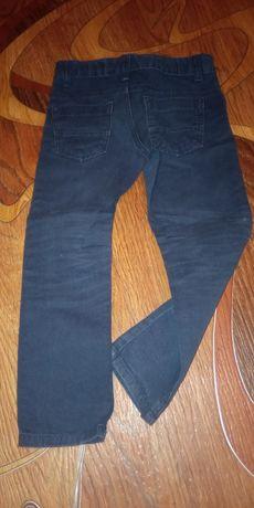 Модные Джинсики стрейчь мальчику или девочке на 4-5 л. 104 см.