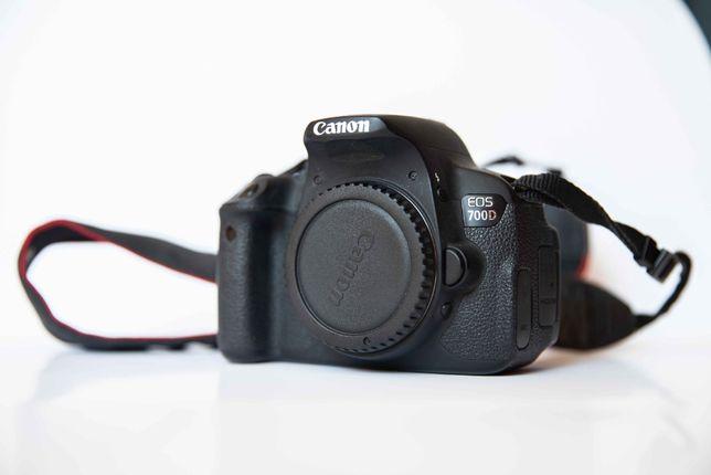 Canon 700D + Sigma 17-70 mm 2.8-4 DC Macro + Hama torba na ramie