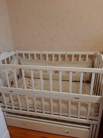 Детская кровать + матрас, наматрасник, комплект белья с балдахином