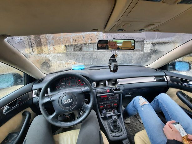 Audi A6 C5.       .