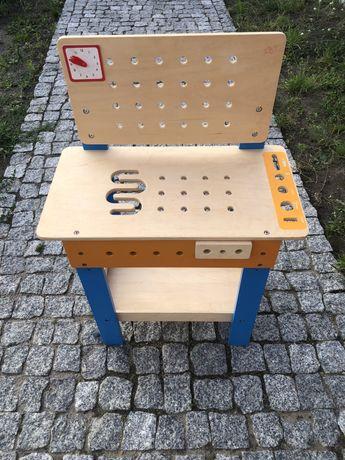 Drewniany warsztat dla dzieci.