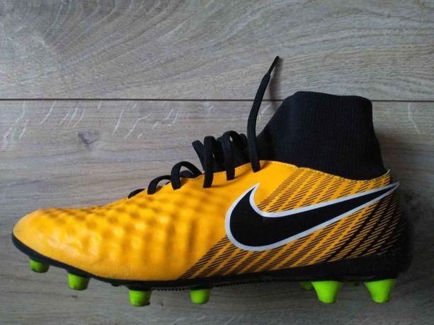 Nike Magista Onda II Dynamic buty piłkarskie 44