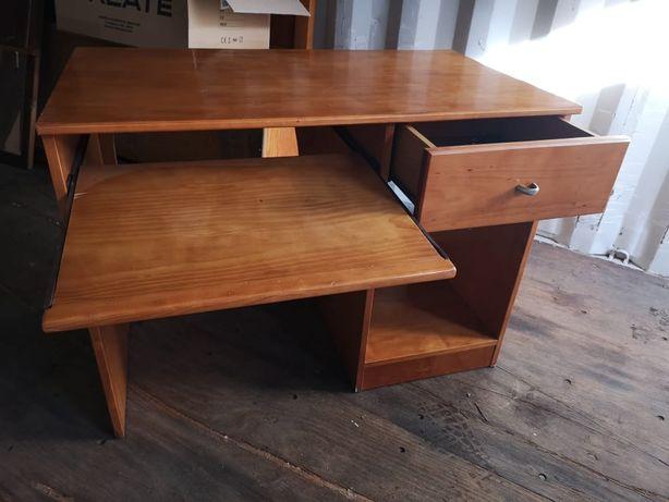 escrivaninha em madeira maciça, usada, mas em bom estado