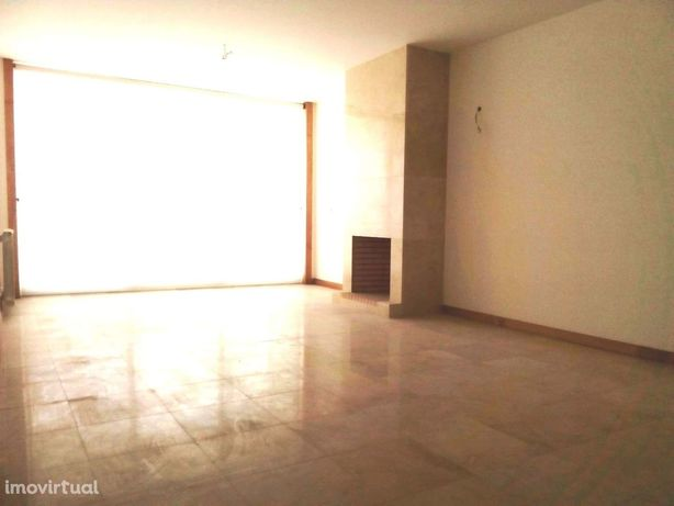 T2 Duplex novo, junto ao Casino à praia da Figueira da Foz