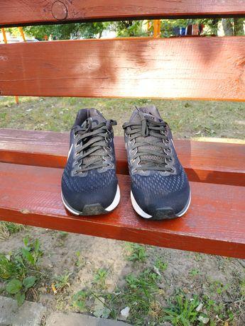 Продам кроссовки Nike Zoom
