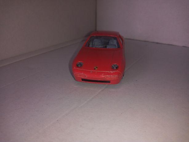 Porsche 928 S4 firmy bburago 1/43 made in Italia