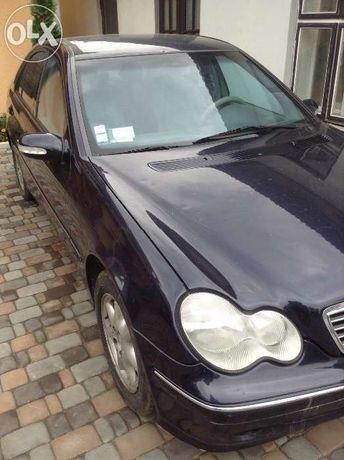 Разбираю Mercedes W203 C klasse 2.2 Cdi.2000 год с пробегом 185 000 км