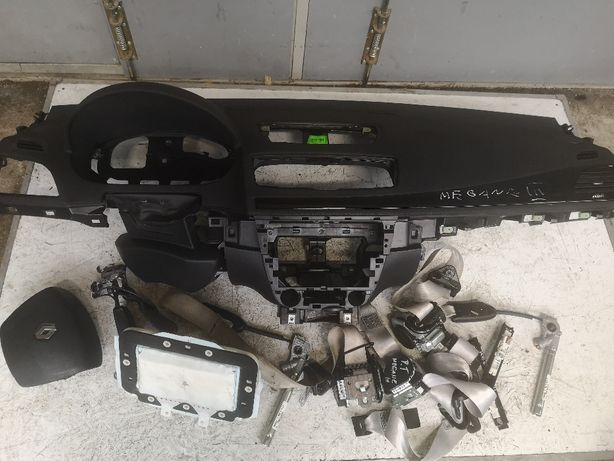 Deska konsola Airbag Renault Megane III lift orginalna pasy