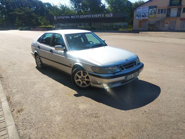 Saab 900 sport