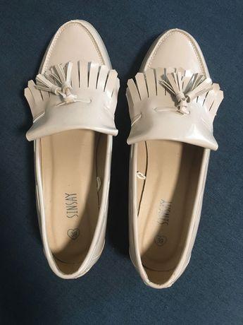 Туфлі лофери лаковані