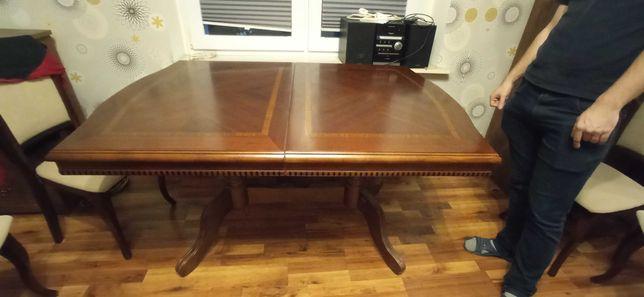 Stół brązowy drewniany