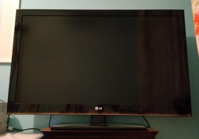 Telewizor 42 cale 42LK450 w bardzo dobrym stanie