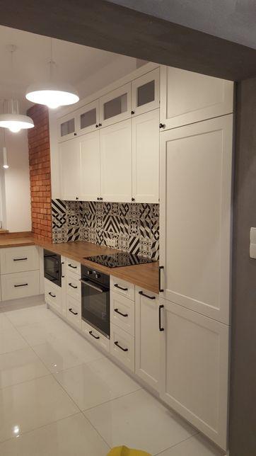Meble na wymiar kuchnie szafy lazienki schody drewniane.