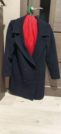 44р. Италия модельное пальто полупальто