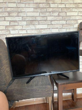 Телевизор Romsat 32 дюйма