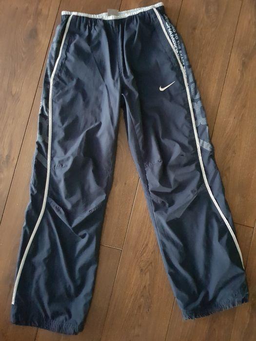 Spodnie dresowe Nike r. 152-158 Stare Miasto - image 1