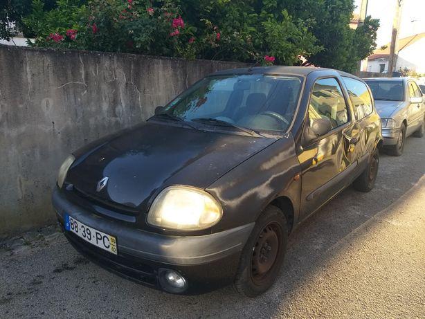Renault Clio de 2000 a gasolina com 147 000Km **VALOR NEGOCIÁVEL**