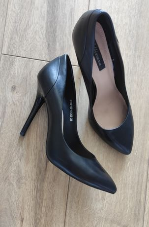 Классические  черные туфли лодочки (Attizzare)