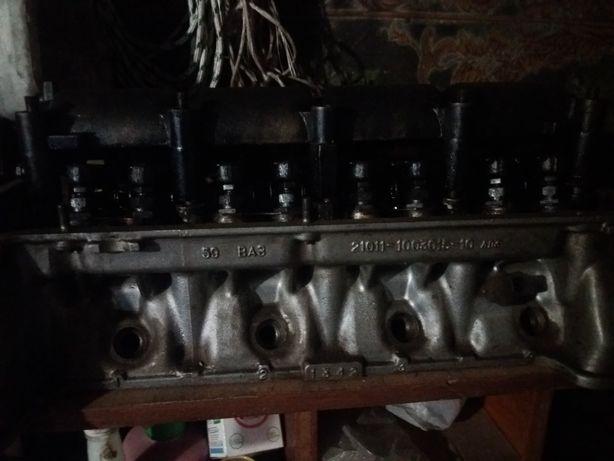 Головка блока,двигатель в удовлетворительном состоянии ВАЗ