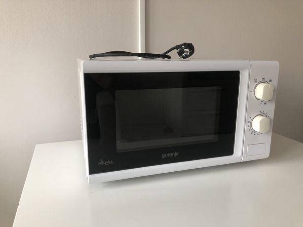 Kuchenka mikrofalowa mikrofalówka z opcja grilla Gorenje MMO 20 MGWII