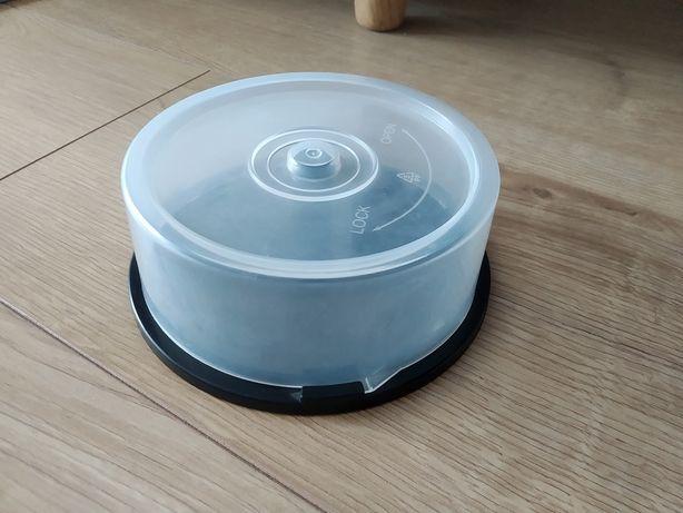 19. Duże plastikowe pudełko na płyty CD!