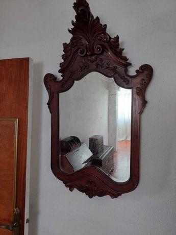 Espelho de quarto antigo