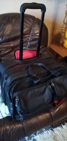 Rewelacyjna torba podróżna na solidnych kołach przywieziona z USA