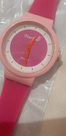 Годинник жіночий,новий,кварцовий.