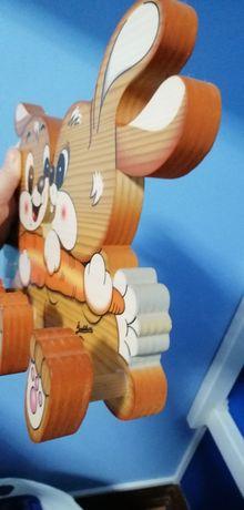Cabide em forma de coelhos de  artista